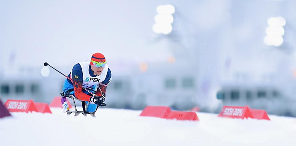 MainHeaderSlider-skiier
