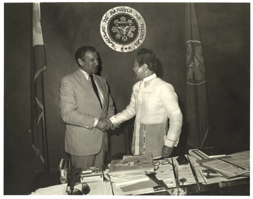 Ferdinand (IN) United States  City pictures : Philippine President Ferdinand Marcos greets Academy President Thomas ...