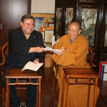 Shaolin Temple Abbott Shi Yongxin and Academy Vice President Dr. T.J. Rosandich sign an agreement for the teaching of the Shaolin Philosophy course.
